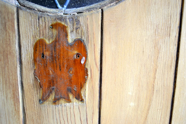 Finish protected under door knocker & Refinishing my 81-year-old front door - Lansdowne Life pezcame.com