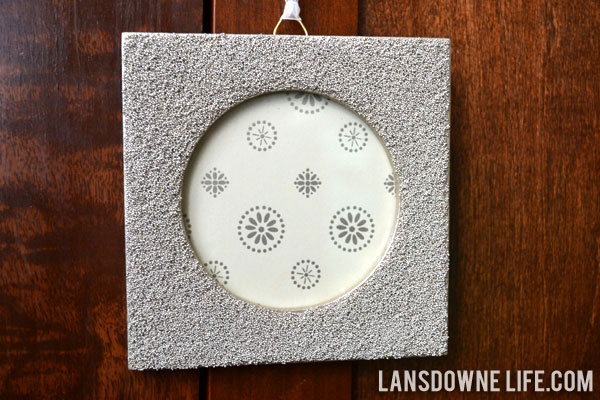 Ornament exchange: Shimmery frame ornament - Lansdowne Life