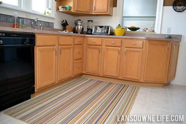 Large kitchen rugs roselawnlutheran for Large kitchen area rugs