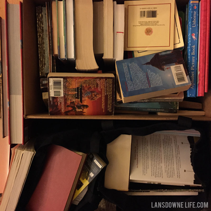 decluttering-books