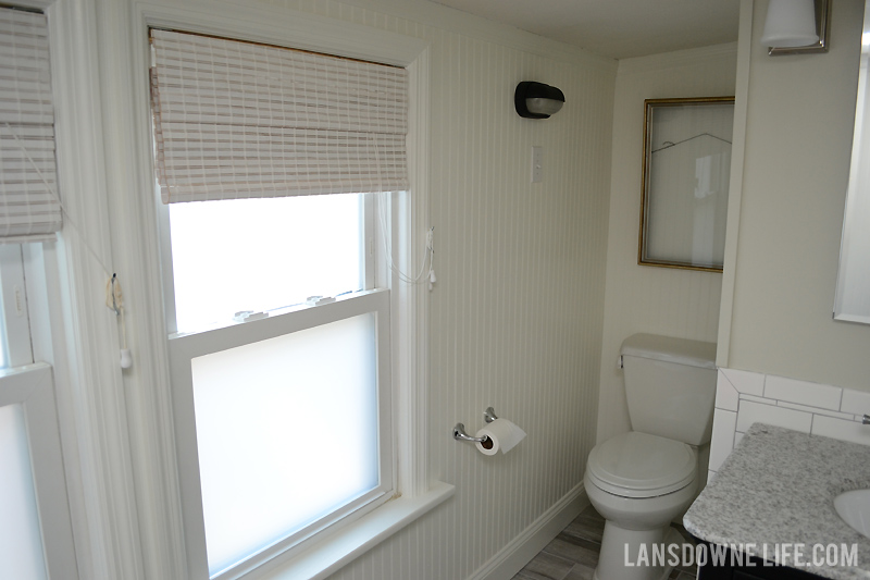 white-cottage-bathroom
